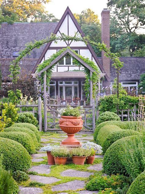 gorgeous garden at a historic home provence garden