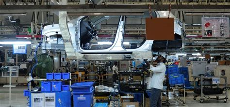Employees In Auto Industry Stare At An Uncertain Future As ...
