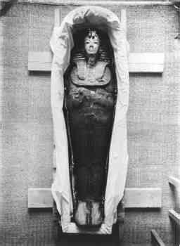 Tutankhamun was not black - Egypt antiquities chief ...