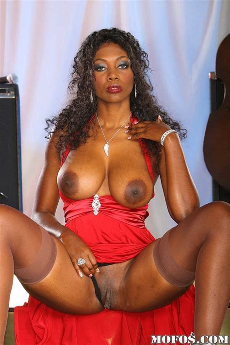 Stokings Look Great On This Ebony Milf With Big Tits And