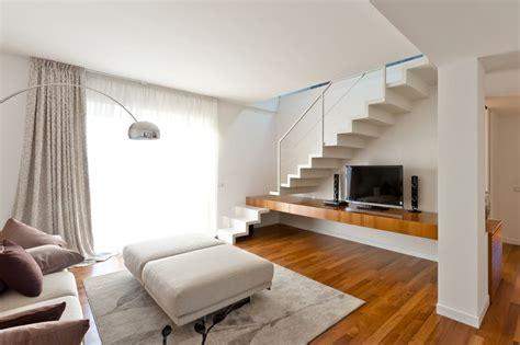 10 Geniale Ideen Für Den Platz Unter Der Treppe