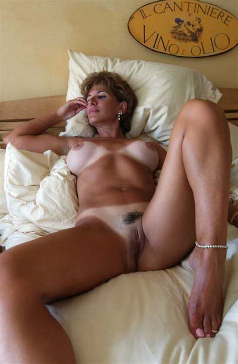 Extra Tanned Italian Milf Milf Pictures Sorted By Rating Luscious