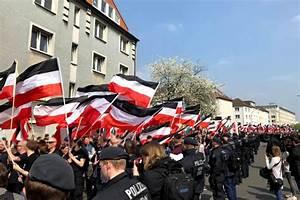 Weiß Zu Schwarz : gedanken zu schwarz wei rot die rechte ~ A.2002-acura-tl-radio.info Haus und Dekorationen