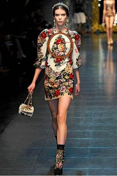 Fall Runway Gifs Animated Dolce Gabbana Greta
