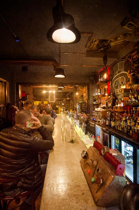 Themed Eats: 'Top Hat Bistro' is a Romanian Steampunk pub ...