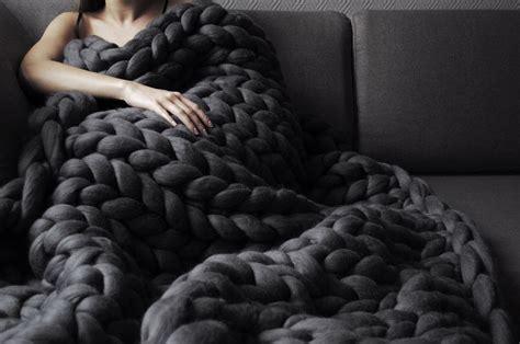 anna marinenko   hands  knit ohhio uber chunky