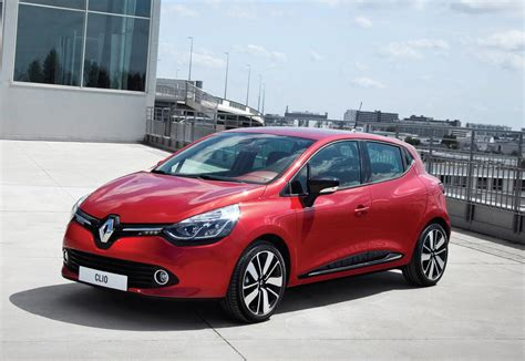 clio renault renault clio hatchback review 2012 parkers