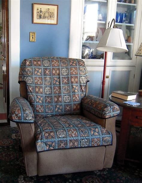Recliner Slip Cover by Quilted Recliner Slipcover Thing