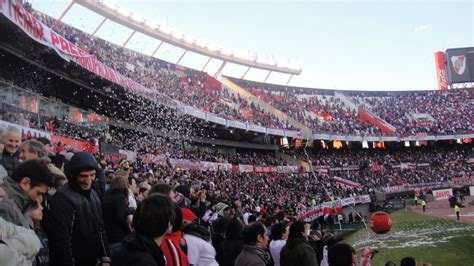 River Plate Fans : River Plate Fans Go Crazy On The ...