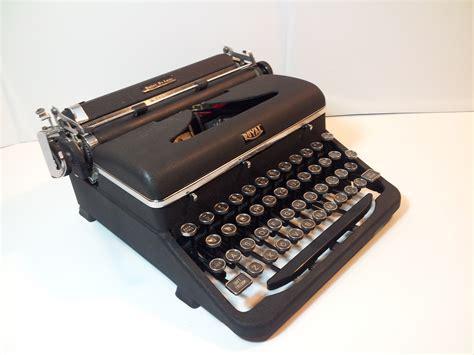 royal typewriter my pick of the week a 1947 royal quiet deluxe typewriter luke austin daugherty