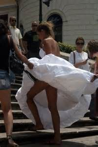 guest wedding dresses a bit embarrassing wedding ecards embarrassing photos