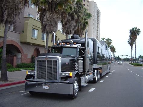 Large Limo by The World S Largest Limousine