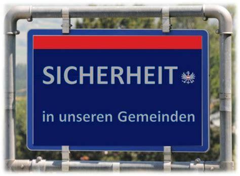 Urlaubszeit 10 Tipps Zum Schutz Vor Einbruch by Die Polizei Informiert Schutz Des Eigentums W 228 Hrend Der
