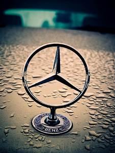 Mercedes Benz Emblem : best 25 mercedes logo ideas on pinterest benz mercedes ~ Jslefanu.com Haus und Dekorationen