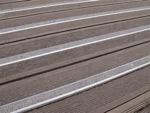 Antidérapant Escalier Bois : terrasse bois glissante solution ~ Dallasstarsshop.com Idées de Décoration
