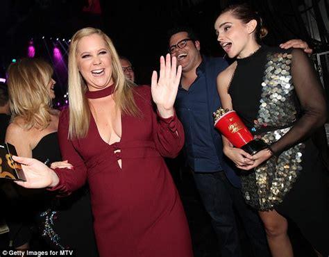 Mtv Movie Awards Amy Schumer Mocks Oscars Blunder