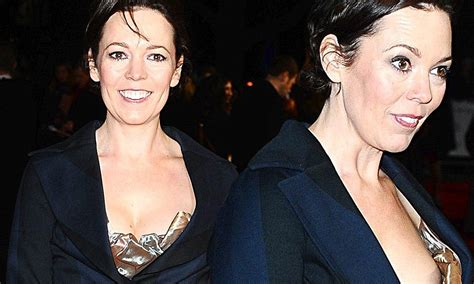 olivia colman sexy she s almost giving us her own peep show olivia colman