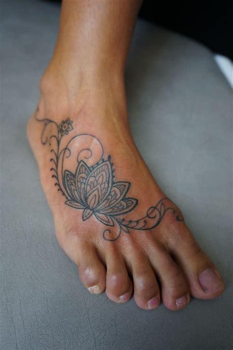 100+ Awesome Feet Tattoos