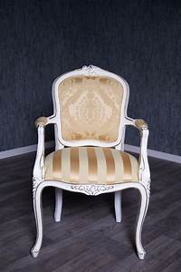 Stühle Mit Stoffbezug : barock stuhl rcr 036 mit armlehnen antik wei lackiert mit stoffbezug st hle ~ Markanthonyermac.com Haus und Dekorationen