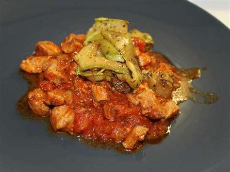 cuisiner sauté de porc recettes de sauté de porc à la tomate et sauté de porc