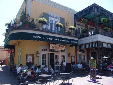 Jazz Kitchen Express Beignets by Ralph Brennan S Jazz Kitchen Express Menu Downtown Disney