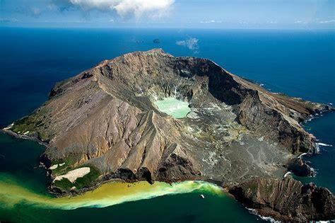 island landscape  zealand volcano image