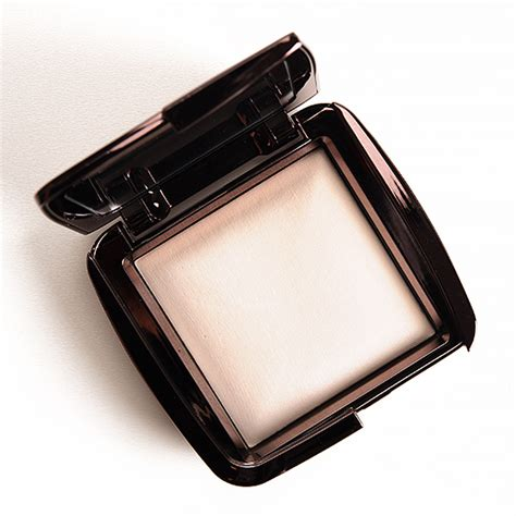 hourglass ambient lighting powder hourglass ethereal light ambient lighting powder review