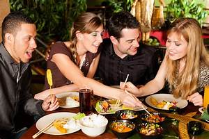 10 Hacks for Spending Less While Eating Out