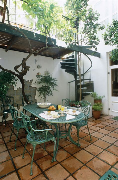 mediterranean patio outdoor patio design ideas lonny