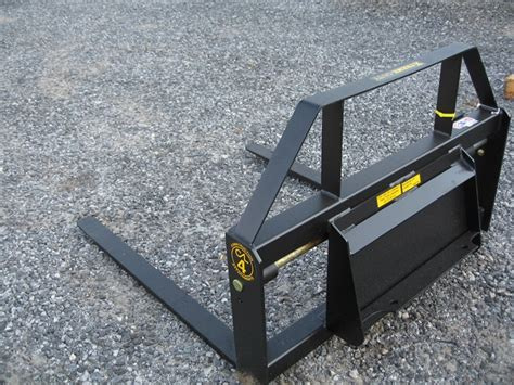 constructon attachments mini skid steer  pallet forks  universal mini mount