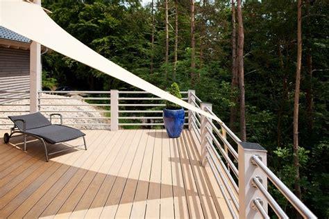 sonnenschutz balkon sonnensegel für den balkon die perfekten schattenspender