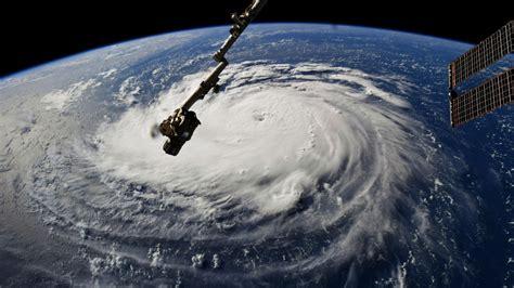 North Carolina-sized Hurricane Florence makes its way to ...