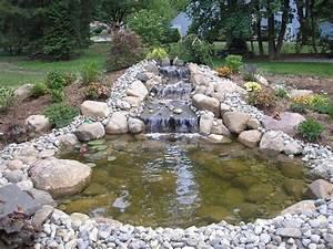 Gartenteich Mit Wasserfall : gartenteich ratgeber eigene oase im hausgarten selber bauen mit bildern gartenteich ~ A.2002-acura-tl-radio.info Haus und Dekorationen