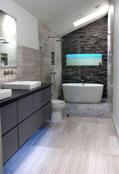 amazing master bath retreat  dark stacked stone