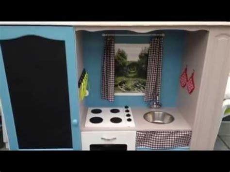 cuisine tv transformer un meuble tv en cuisine pour enfant