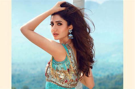 Mahira Khan Photoshoot For Divani Couture