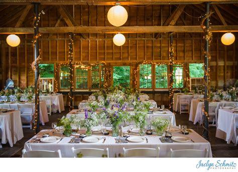 article barn wedding venues  vt jaclyn schmitz