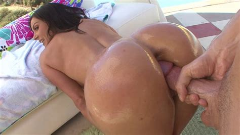 Kendra Lust Getting Her Ass Oiled And Fucked Doggy Style