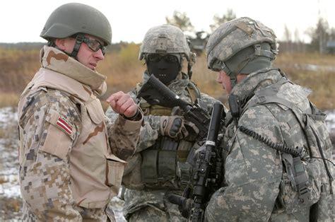 Sabre Strike 2011 — vērienīgākās militārās mācības   Sargs.lv
