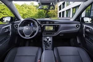Fiabilité Toyota Auris Hybride : essai toyota auris restyl e elle muscle sa gamme photo 5 l 39 argus ~ Gottalentnigeria.com Avis de Voitures