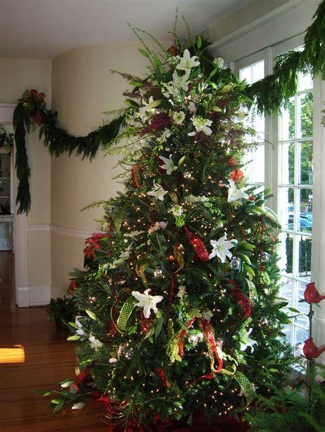 arbolito de navidad decorado  flores