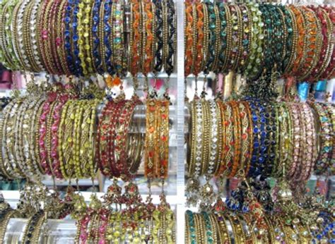 Shopping at the Punjabi Market – Vancouver's Little India
