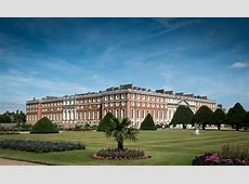 Hampton Court Palace Tour Guide London