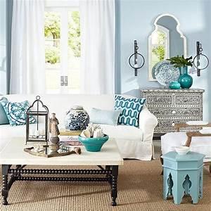 15 salon a la decoration marocaine pour s39inspirer for Tapis berbere avec console de canapé