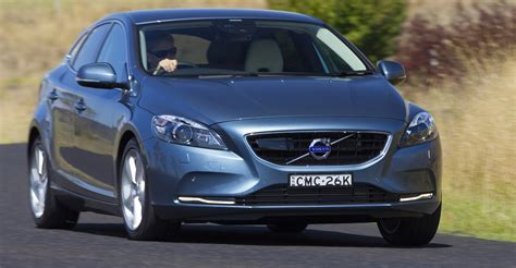 2016 Volvo V40 Gains New Entry-level Engines