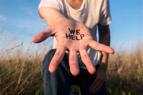 Por lo general es consecuencia de un sufrimiento psíquico y desesperación derivado o atribuible a circunstancias vitales como las dificultades financieras. ¿Los suicidios se pueden evitar? | TQE