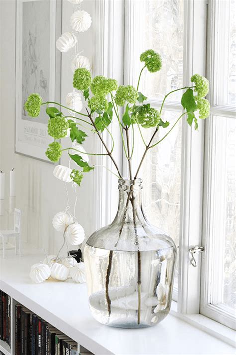how to decorate with pantone color of the year greenery