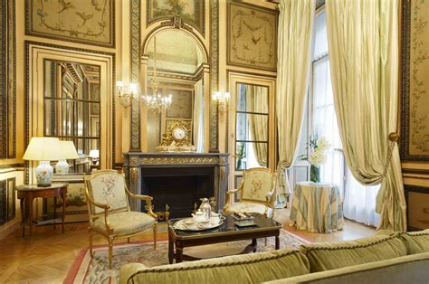 Duc de Crillon Historical Suite - living room