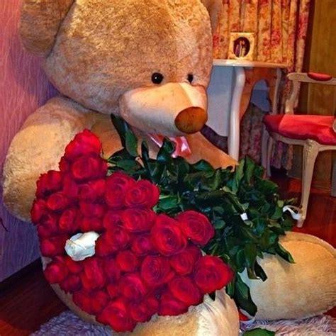 chambre deco fille fleurs rouges décoratives 3 déco