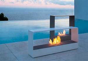LLAJAR™ Modern Outdoor Fireplaces without Gas